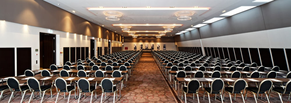 Leonardo Royal Hotel Munich_Ballroom_orange