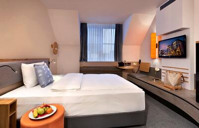 LowRes_InterCity_Frankfurt_room656_2430.jpg