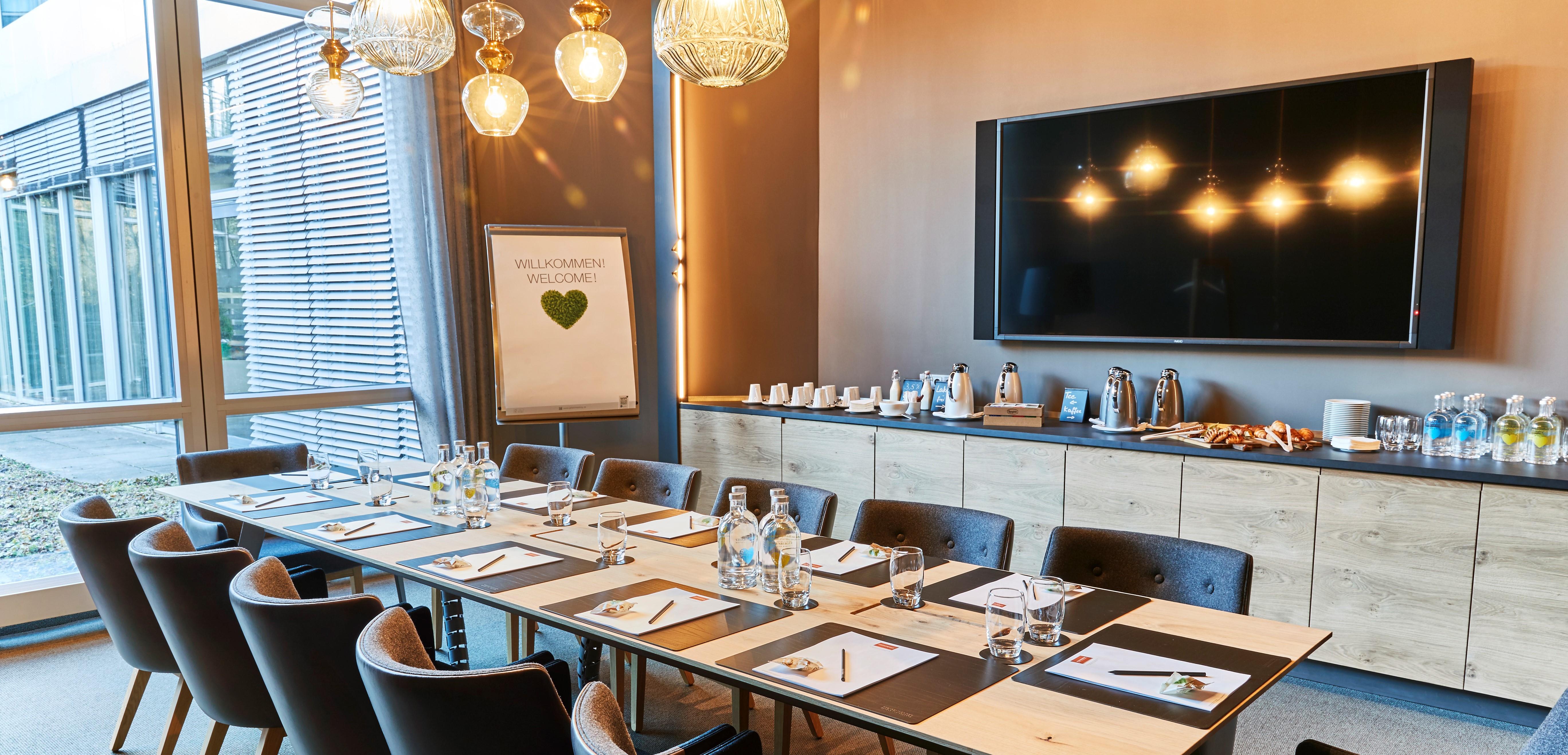 Steigenberger_Hotel_Munich_Boardroom_Maximilian_II_3 bearbeitet